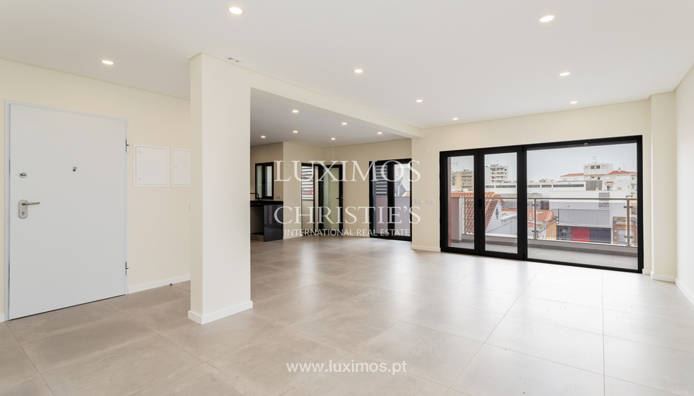 Modern 4 bedroom apartment, with partial view of Ria Formosa, Faro, Algarve_159455