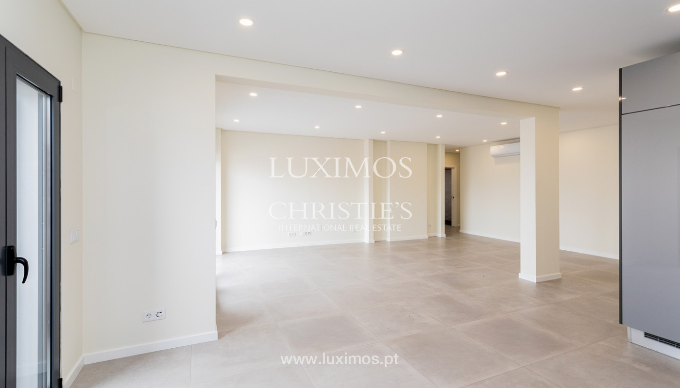 Modernes 4-Zimmer-Apartment, mit teilweisem Blick auf die Ria Formosa, Faro, Algarve_159457