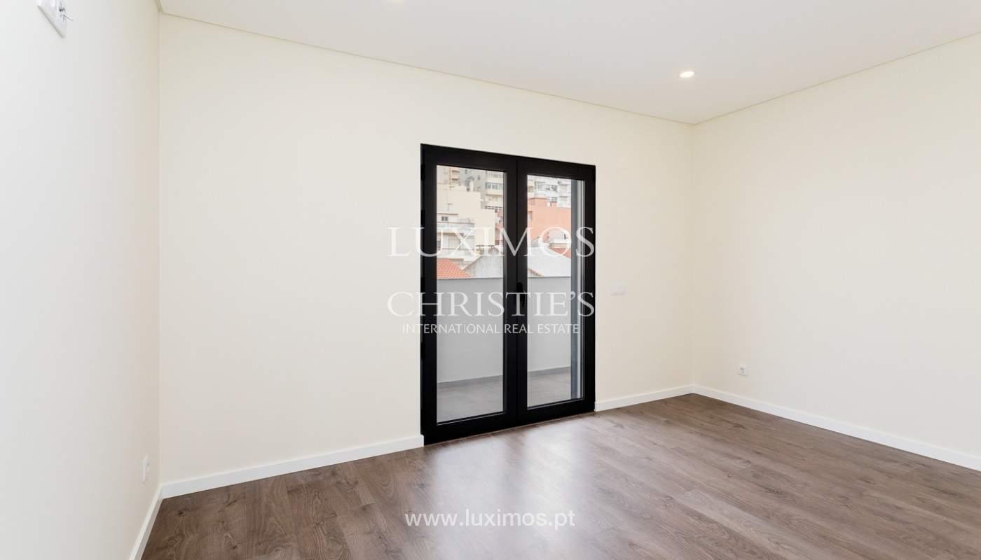 Modernes 4-Zimmer-Apartment, mit teilweisem Blick auf die Ria Formosa, Faro, Algarve_159464