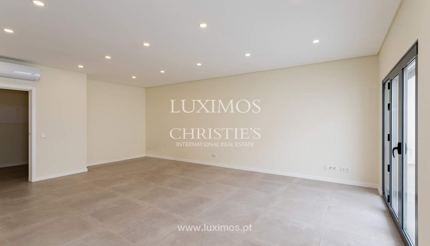 Moderno apartamento de 2 dormitorios con gran terraza, Faro, Algarve_159505