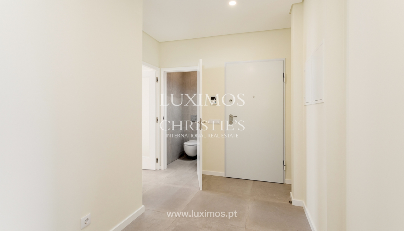 Moderno apartamento de 2 dormitorios con gran terraza, Faro, Algarve_159506