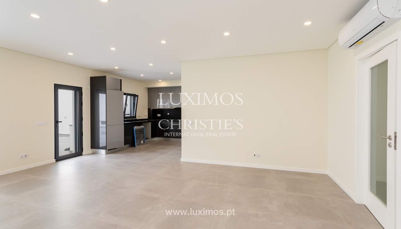 Moderno apartamento de 2 dormitorios con gran terraza, Faro, Algarve_159507