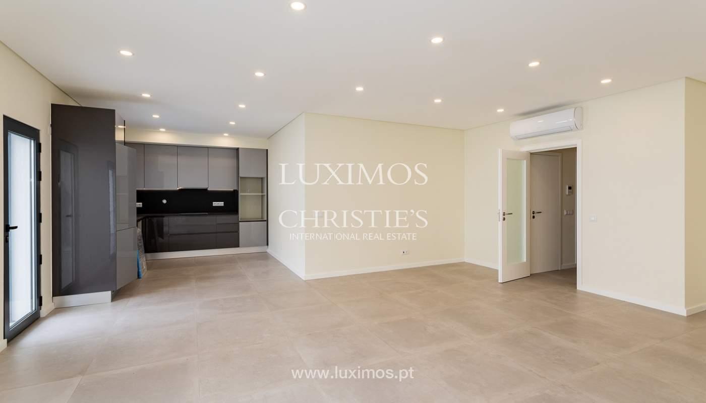 Moderno apartamento de 2 dormitorios con gran terraza, Faro, Algarve_159508