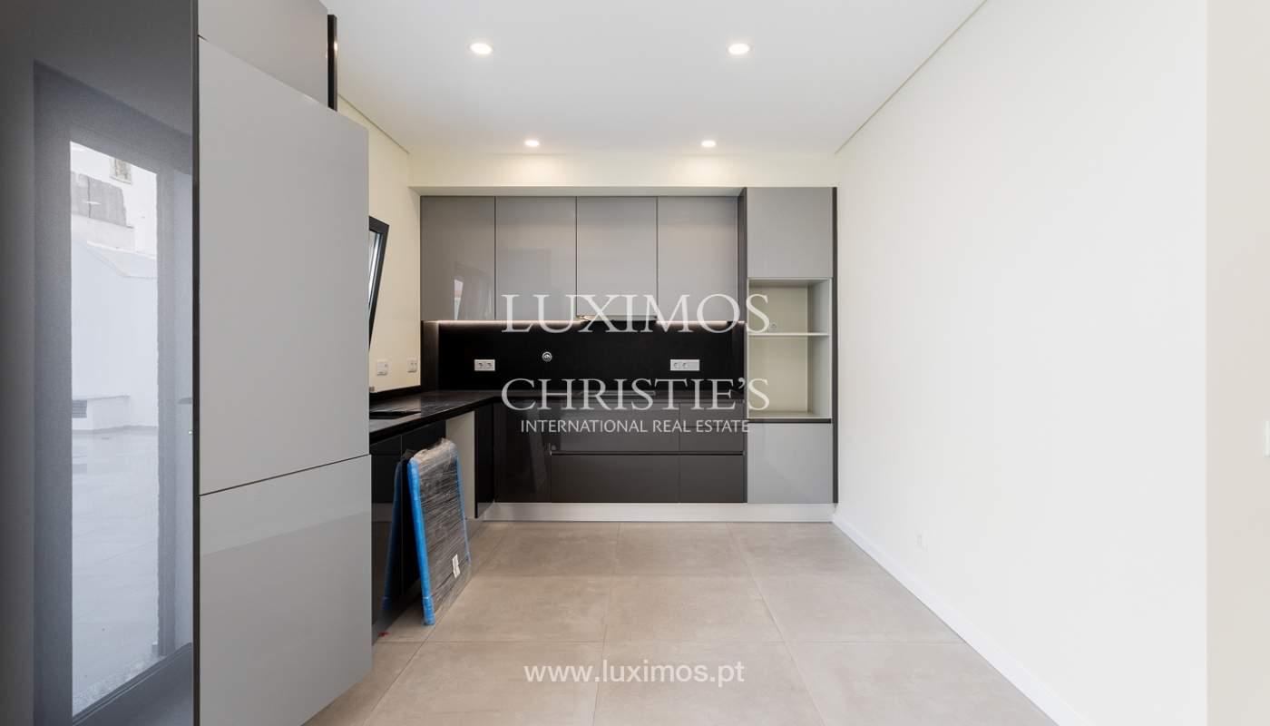 Moderno apartamento de 2 dormitorios con gran terraza, Faro, Algarve_159509