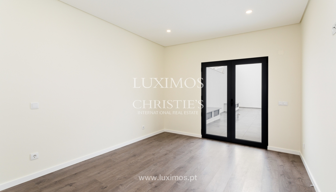 Moderno apartamento de 2 dormitorios con gran terraza, Faro, Algarve_159512