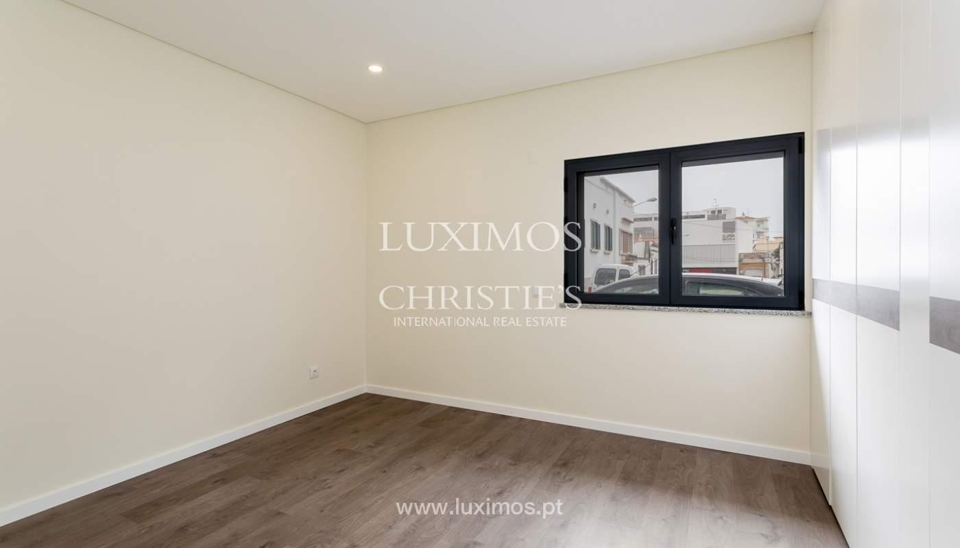 Moderno apartamento de 2 dormitorios con gran terraza, Faro, Algarve_159515