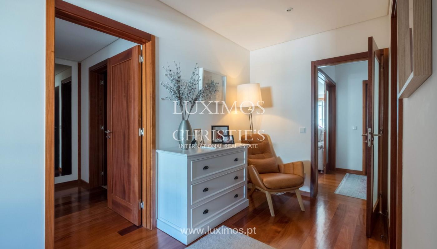 Der Verkauf der Wohnung in der 1. Zeile auf das Meer, Porto, Portugal_159722