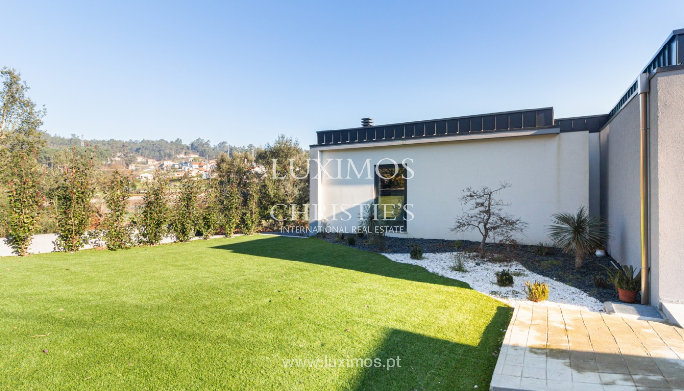 Contemporary house with swimming pool and garden, for sale, in Paredes, North of Portugal_159942
