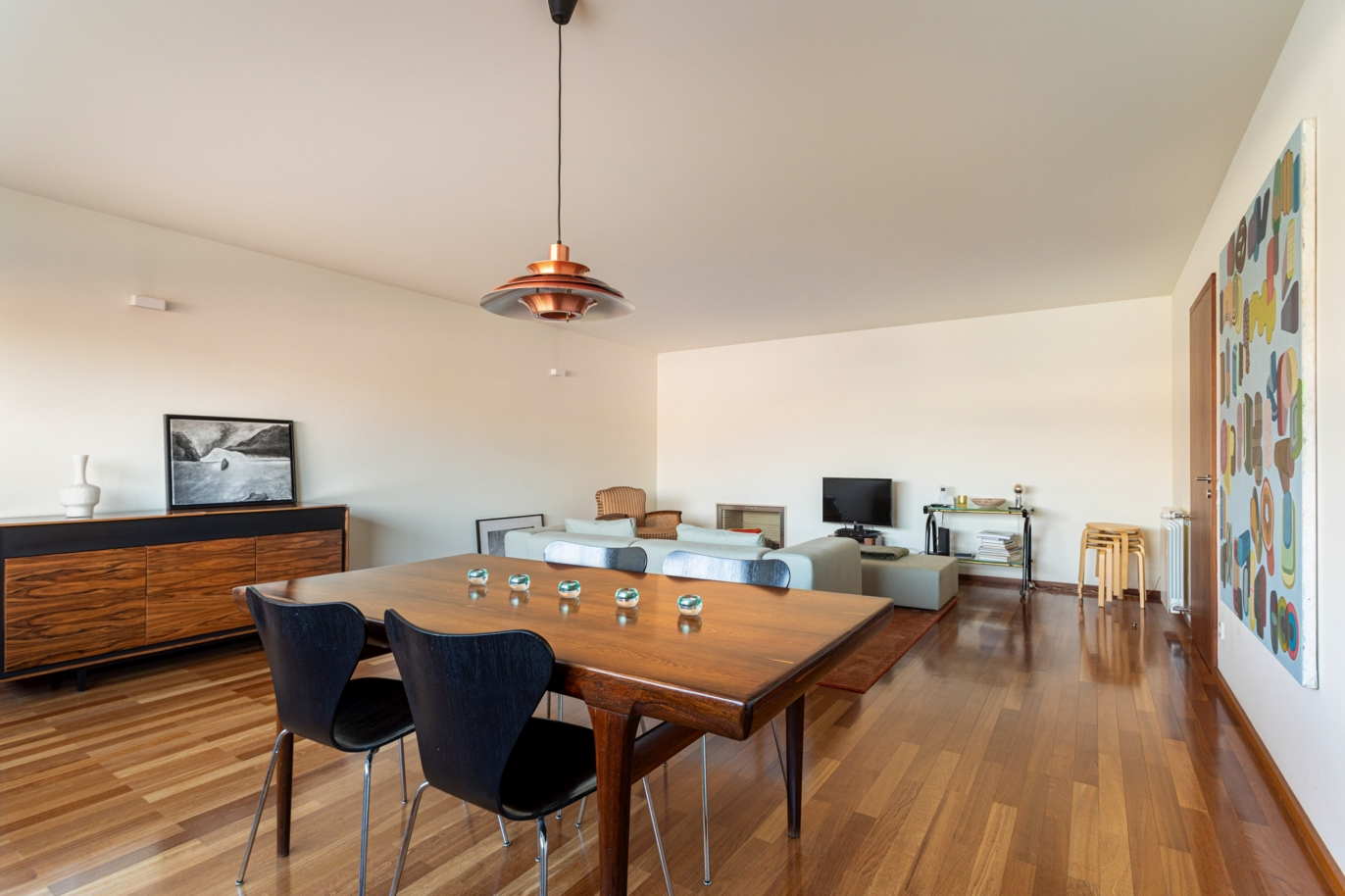 luxury-apartment-with-balcony-for-sale-in-ramalde-porto-portugal