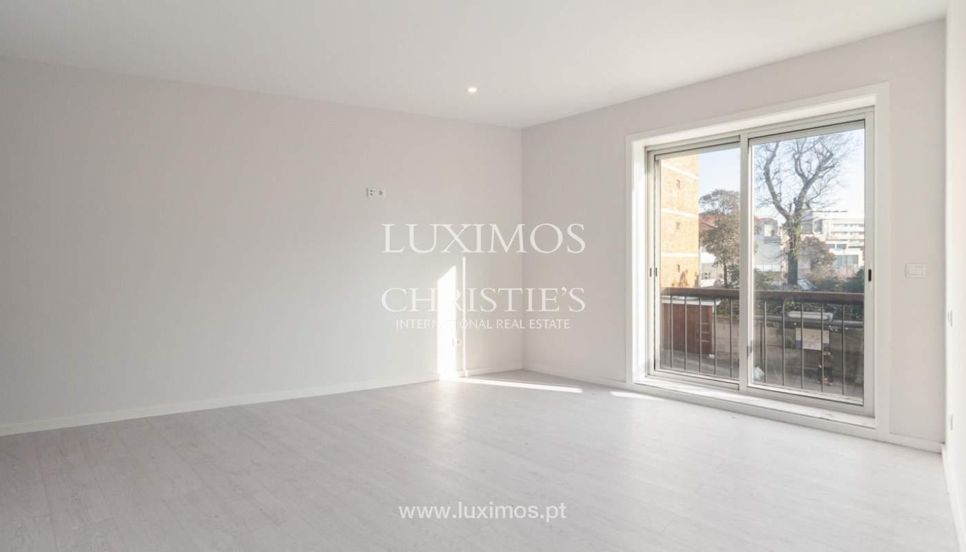 Apartamento remodelado com terraço, para venda, na Boavista_160201