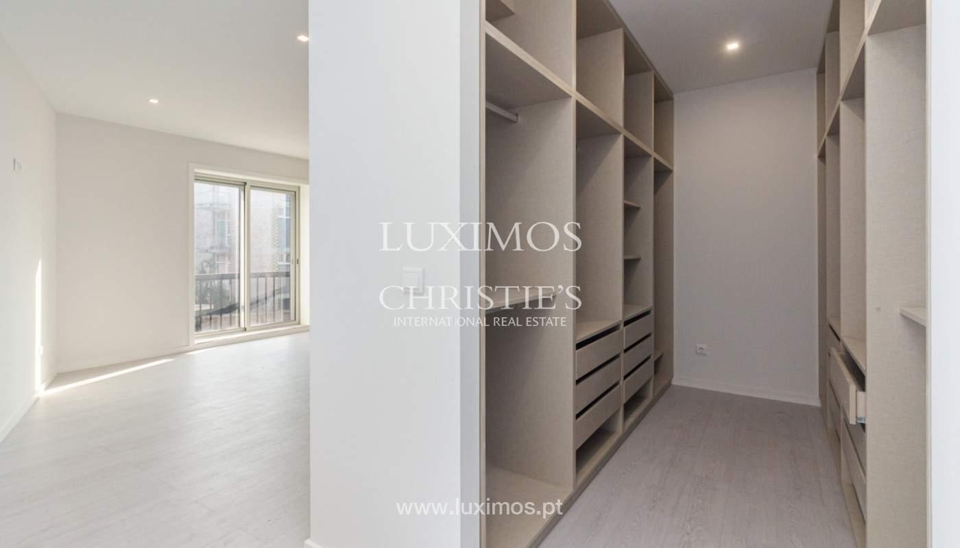 Apartamento remodelado com terraço, para venda, na Boavista_160203