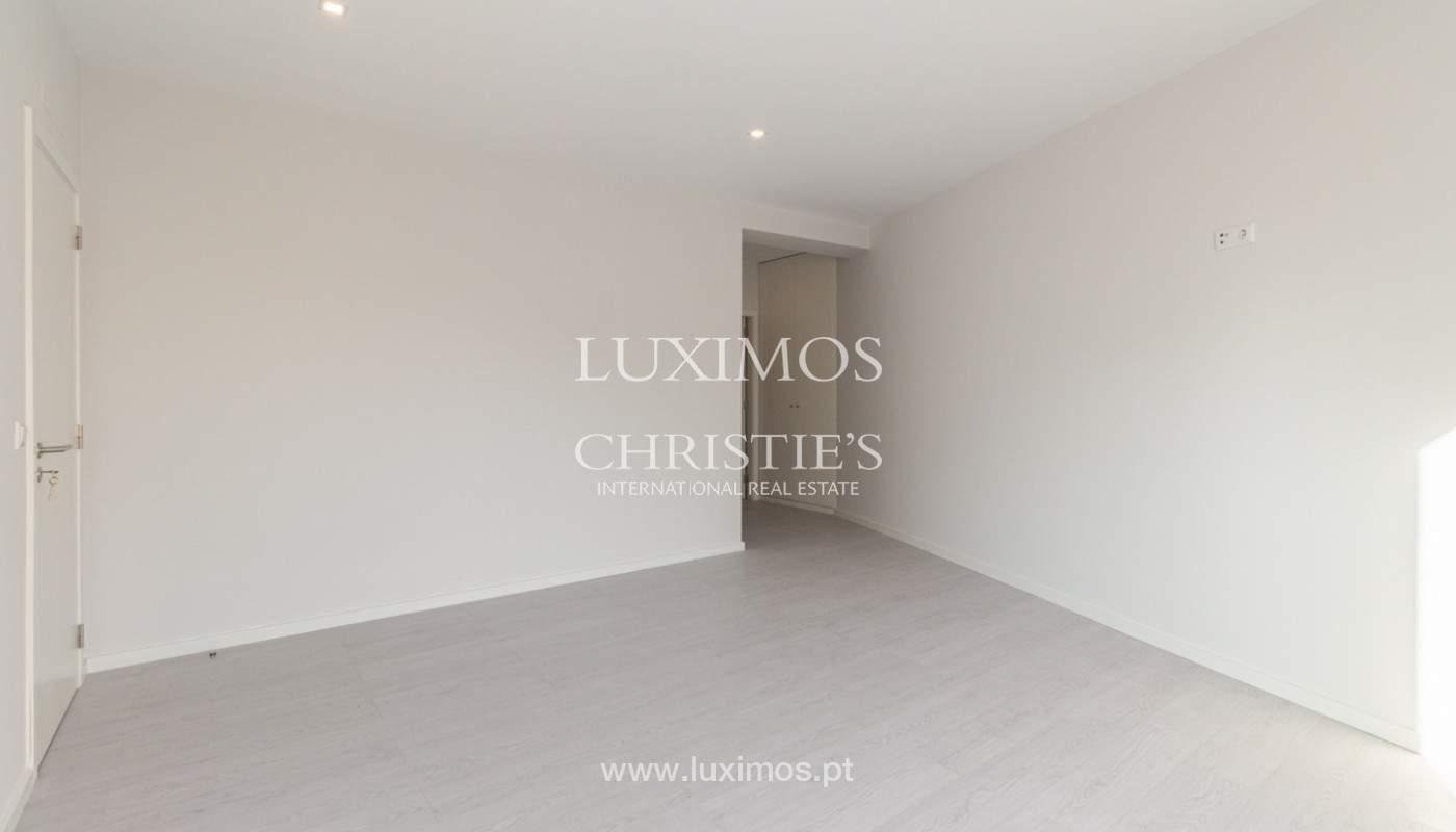 Apartamento remodelado com terraço, para venda, na Boavista_160205