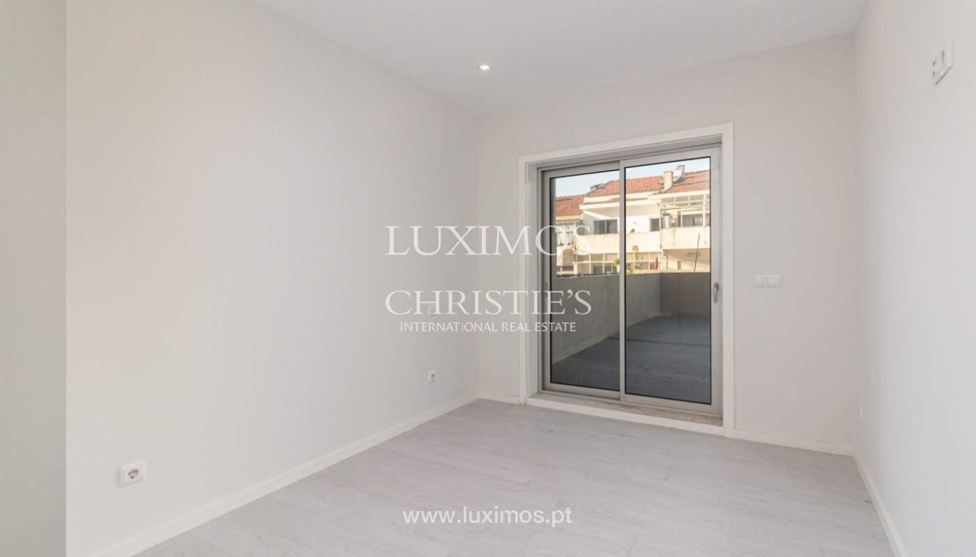 Apartamento remodelado com terraço, para venda, na Boavista_160206