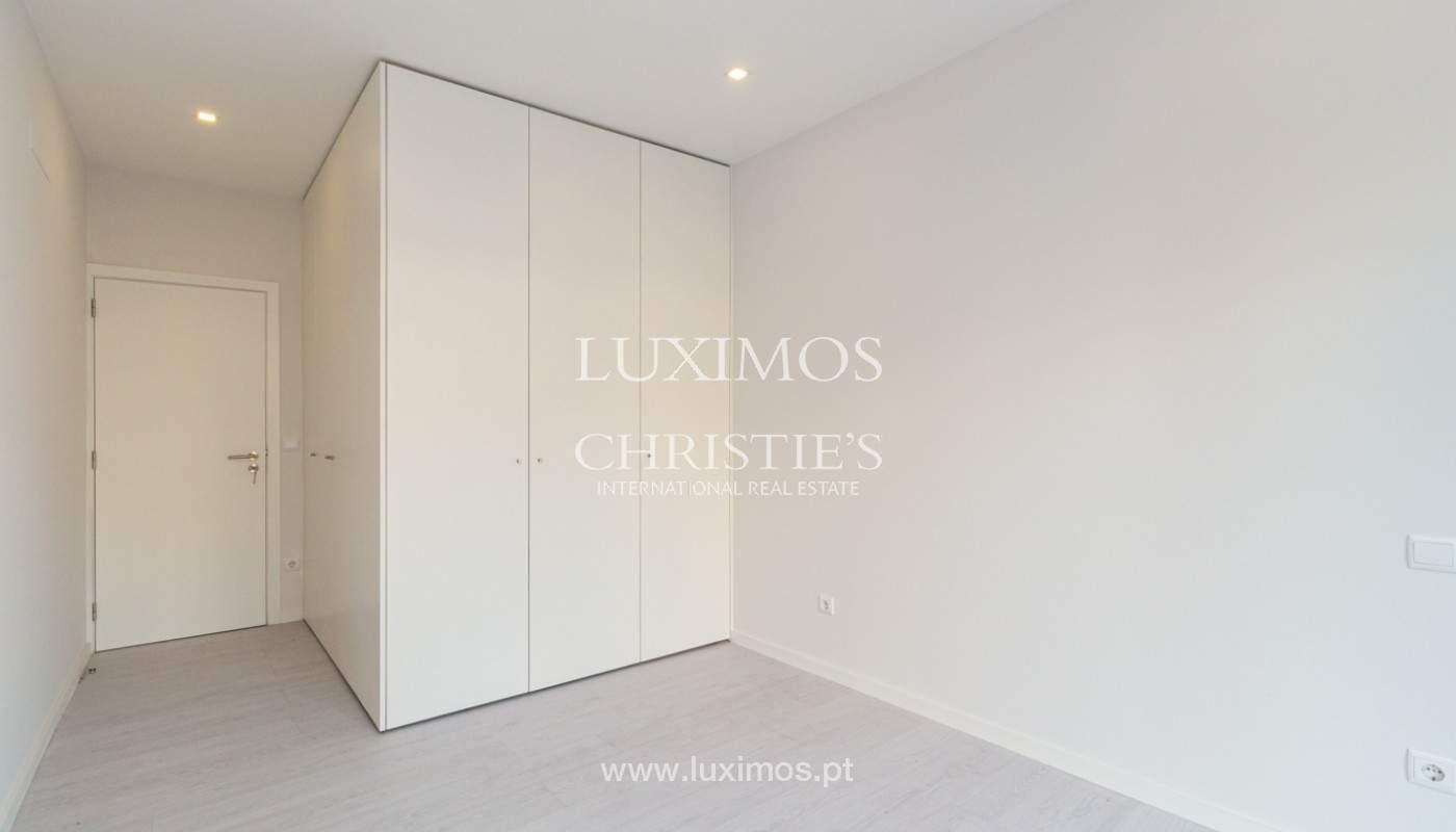 Apartamento remodelado com terraço, para venda, na Boavista_160207