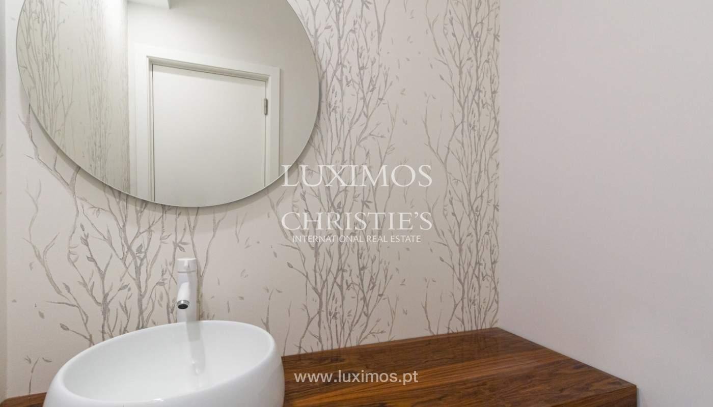 Apartamento remodelado com terraço, para venda, na Boavista_160210