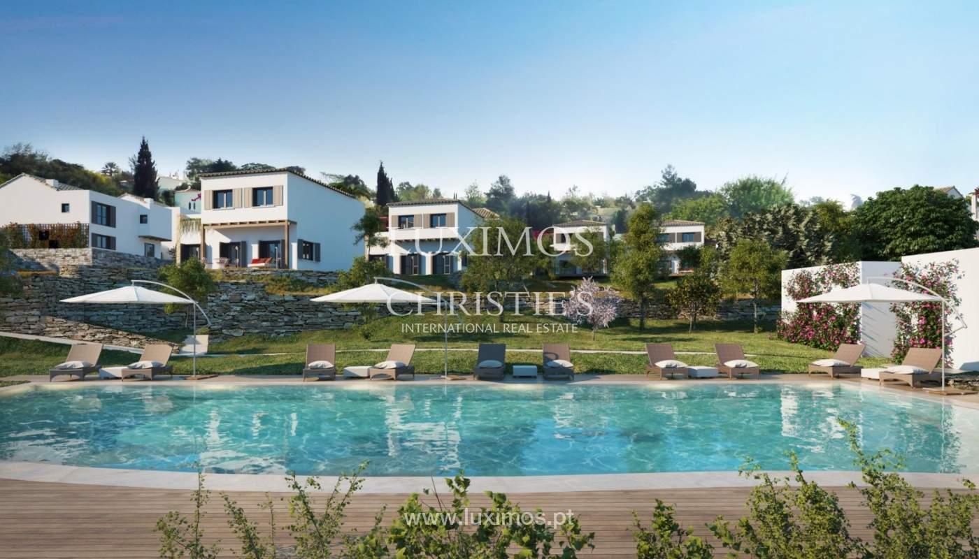 Villa de 3 dormitorios, en un condominio de lujo, Carvoeiro, Algarve_160781