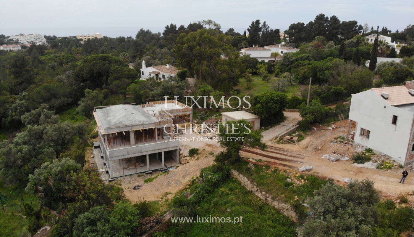 Villa de 3 dormitorios, en un condominio de lujo, Carvoeiro, Algarve_160791