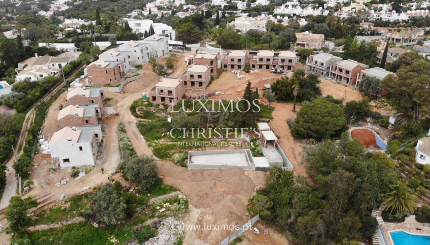 Villa de 3 dormitorios, en un condominio de lujo, Carvoeiro, Algarve_160793