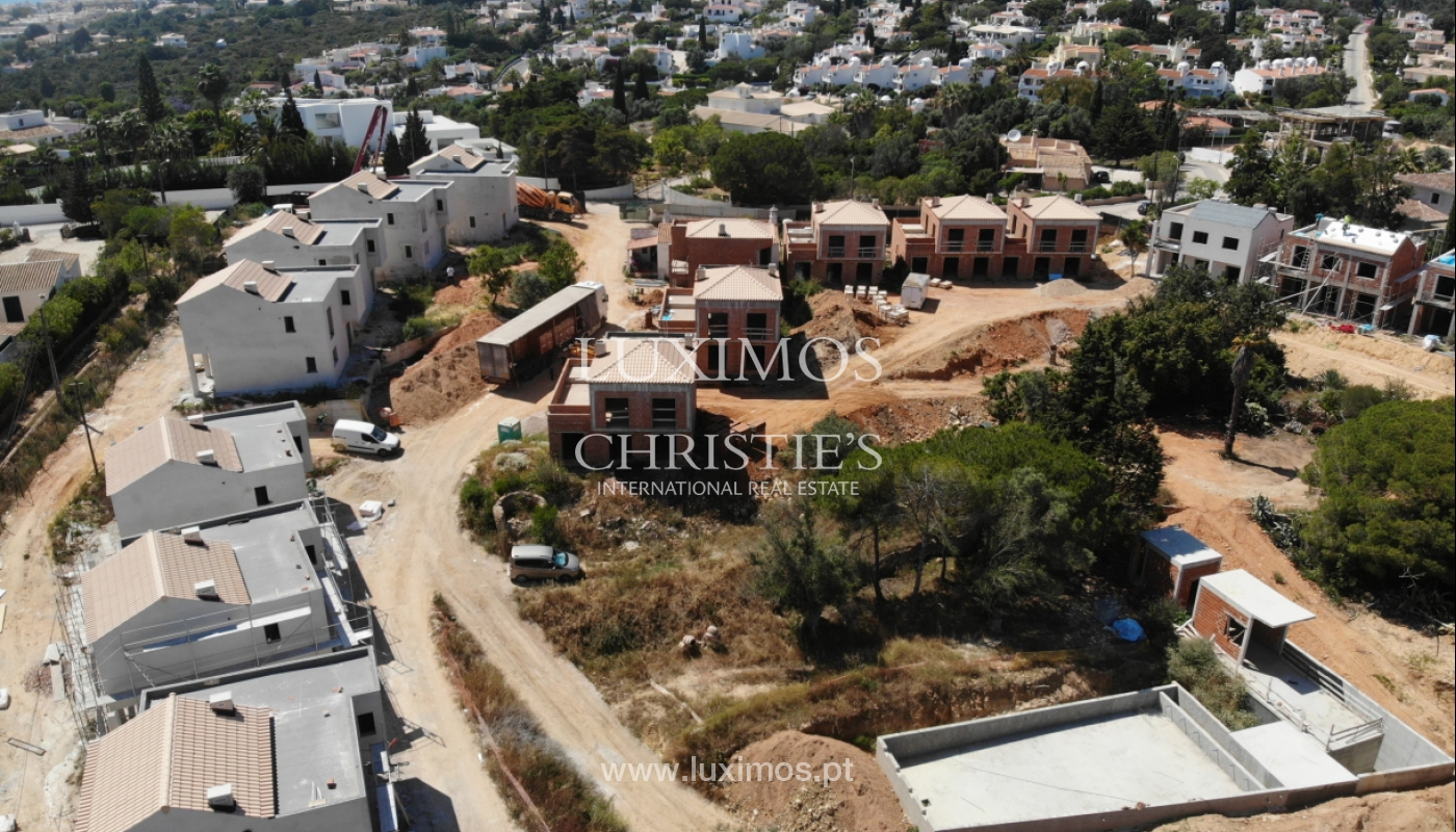 Villa de 3 dormitorios, en un condominio de lujo, Carvoeiro, Algarve_160794