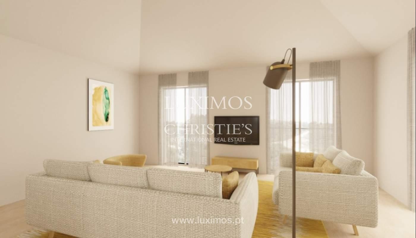 Villa de 3 dormitorios, en un condominio de lujo, Carvoeiro, Algarve_160800