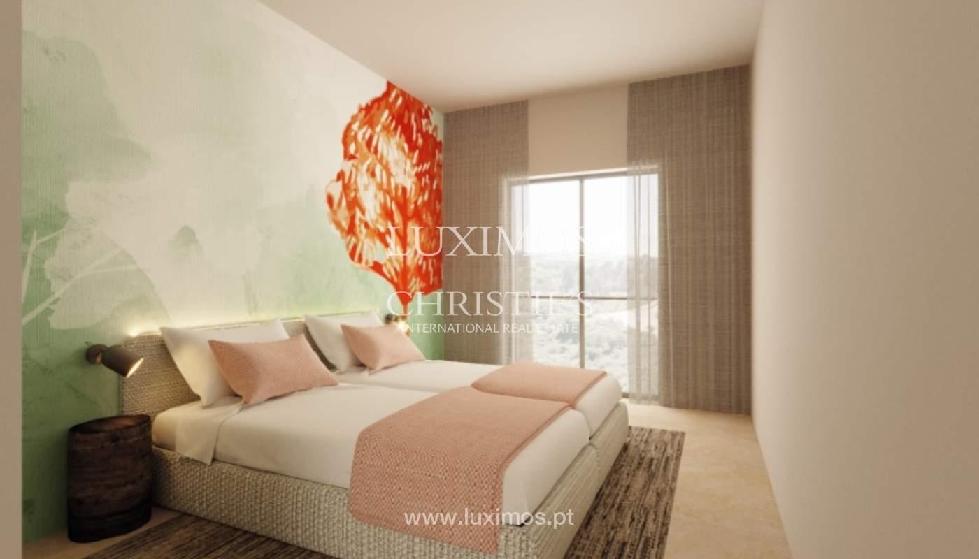 Villa de 3 dormitorios, en un condominio de lujo, Carvoeiro, Algarve_160803