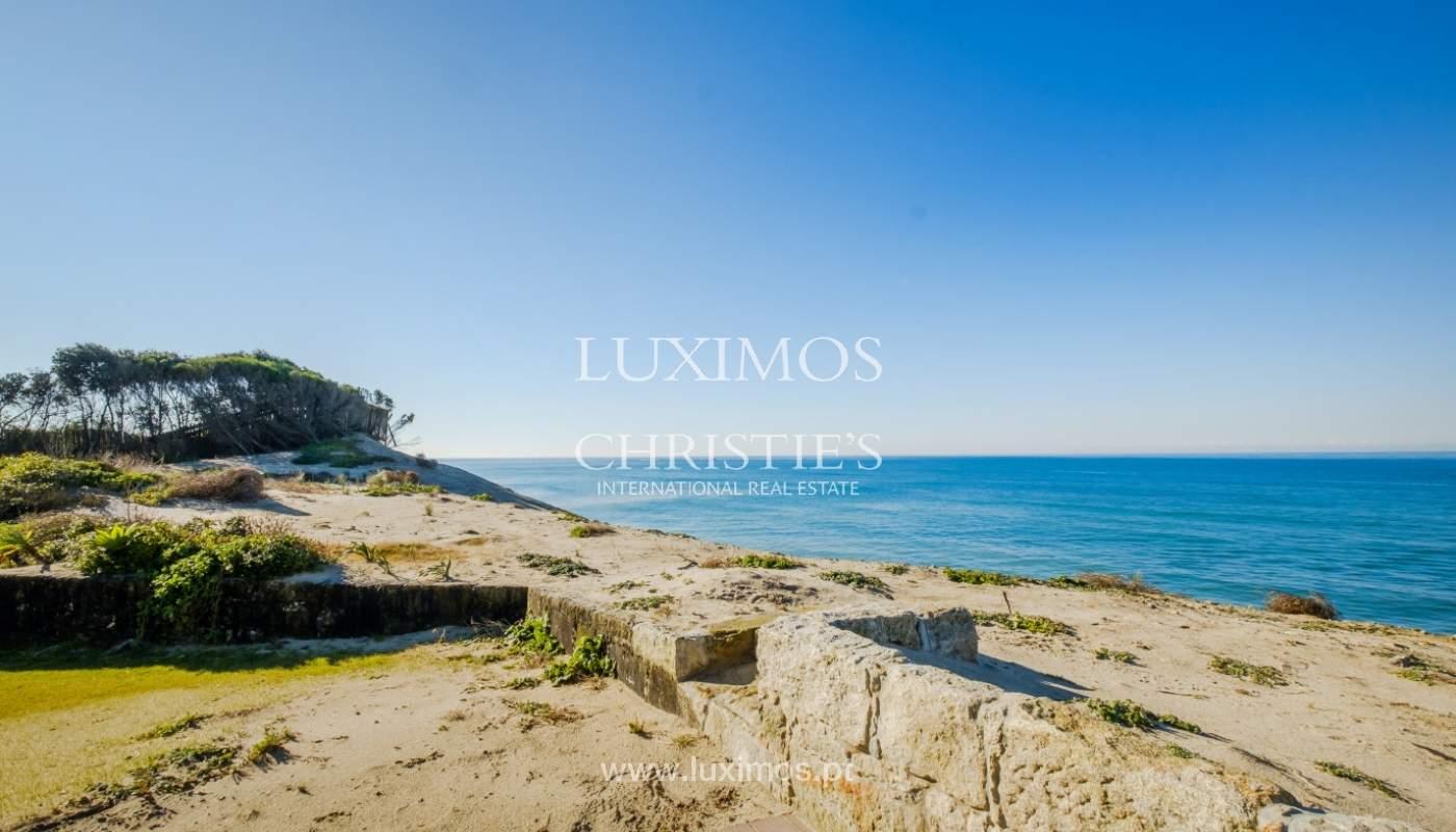 Venta de villa de planta baja con jardín en 1ª línea de mar, en Esposende, Norte de Portugal_160922