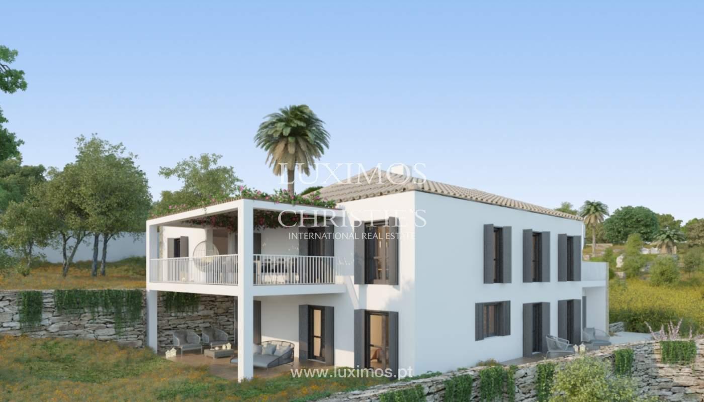 Villa de 5 chambres, dans un condominium de luxe avec une piscine privée, Carvoeiro, Algarve_161130