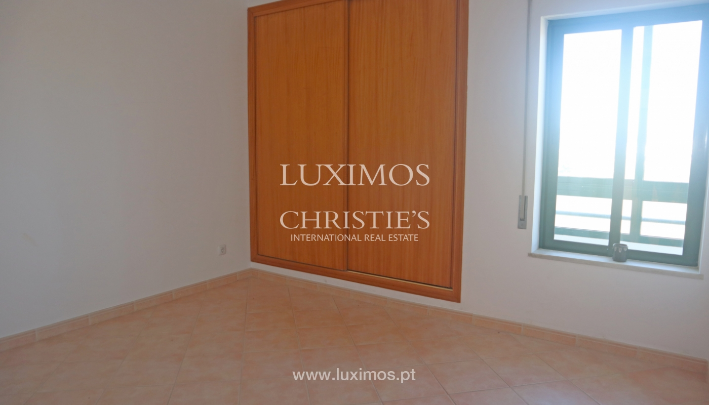 Apartment with 2 bedrooms and sea view, Quarteira, Algarve _161172