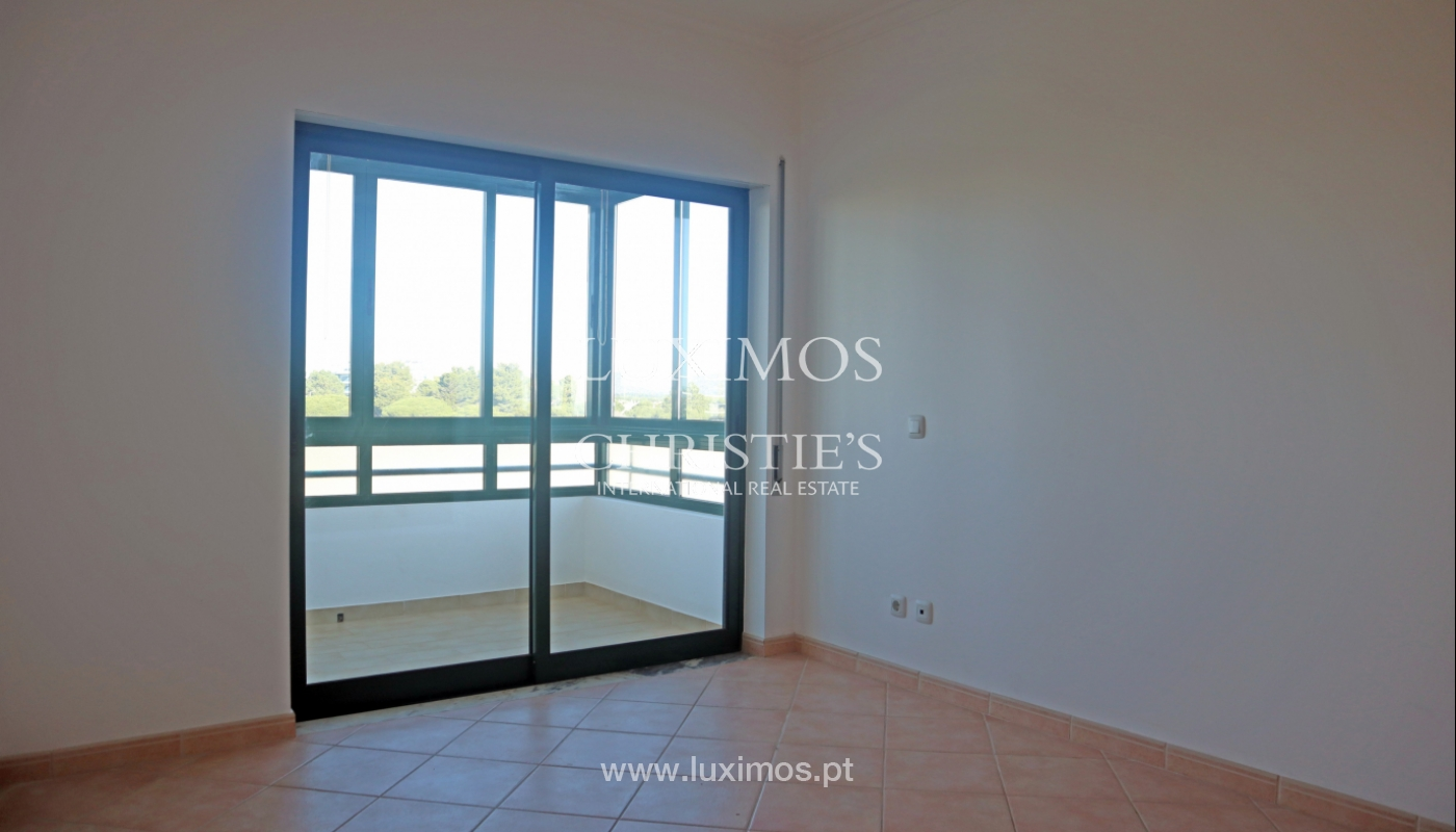 Apartment with 2 bedrooms and sea view, Quarteira, Algarve _161175