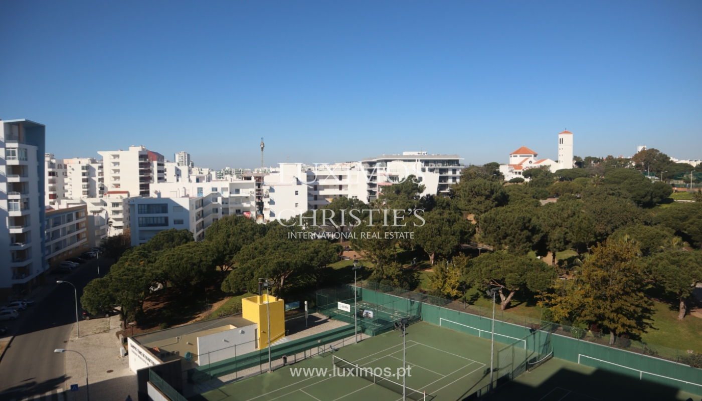 Apartment with 2 bedrooms and sea view, Quarteira, Algarve _161177