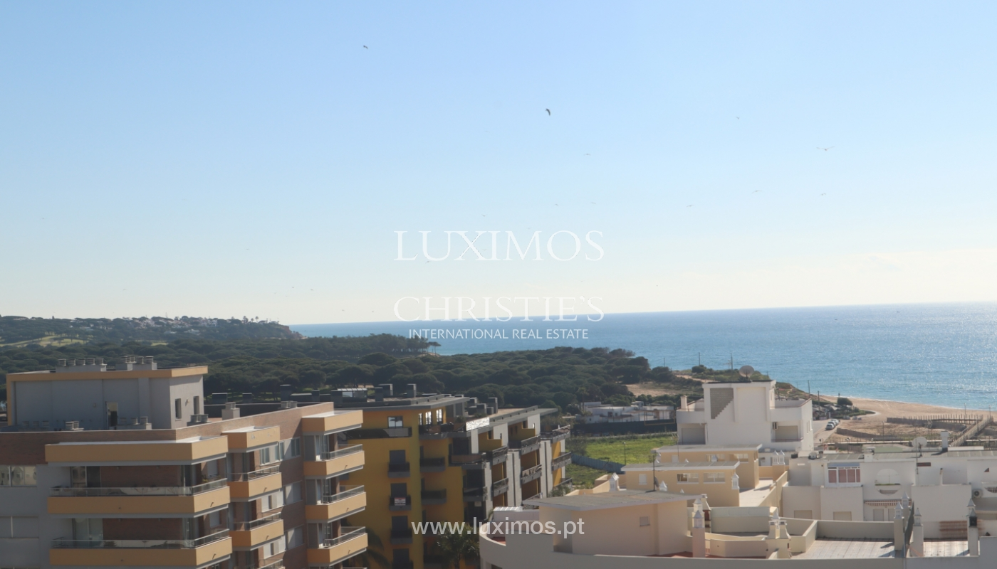 Apartment with 2 bedrooms and sea view, Quarteira, Algarve _161185