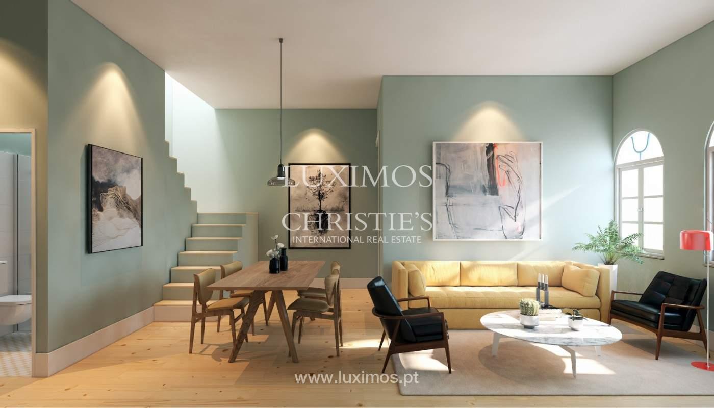 Apartamento com mezzanine e varanda, para venda, na Baixa do Porto_161510
