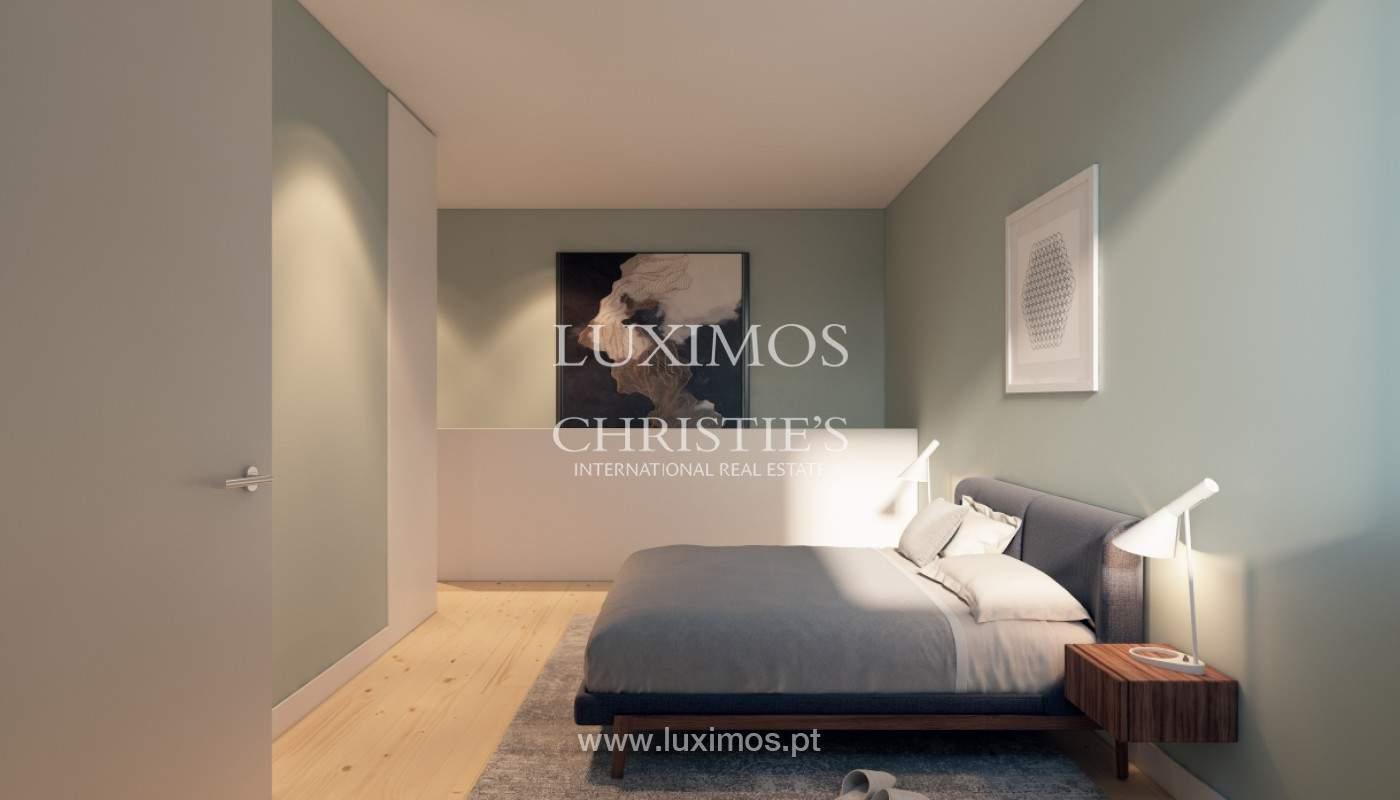Apartamento com mezzanine e varanda, para venda, na Baixa do Porto_161512