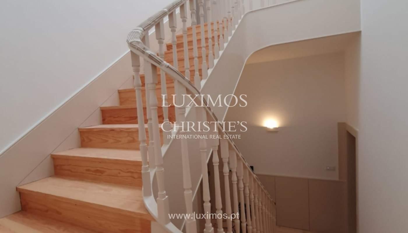 Apartamento com mezzanine e varanda, para venda, na Baixa do Porto_161535