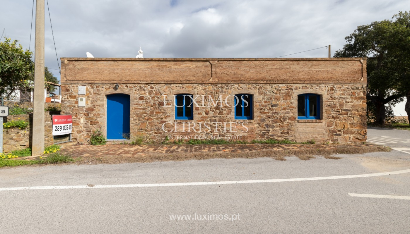 Typical 2 bedroom villa, with mountain and country views, Tavira, Algarve_162012