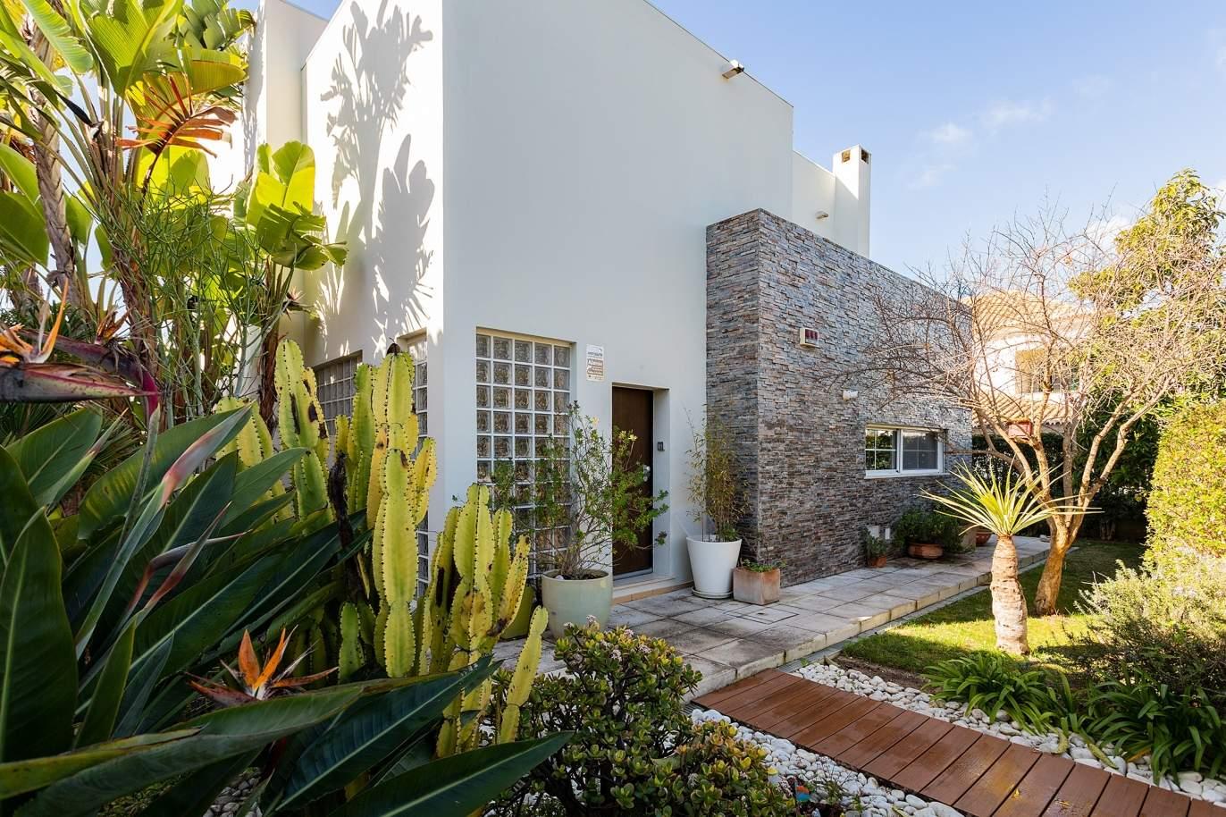 modern-4-bedroom-villa-with-garden-jacuzzi-faro-algarve