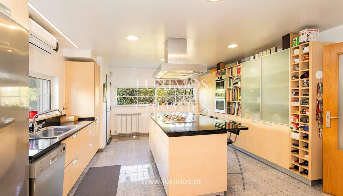 Modern 4 bedroom villa with garden & jacuzzi, Faro, Algarve_162528