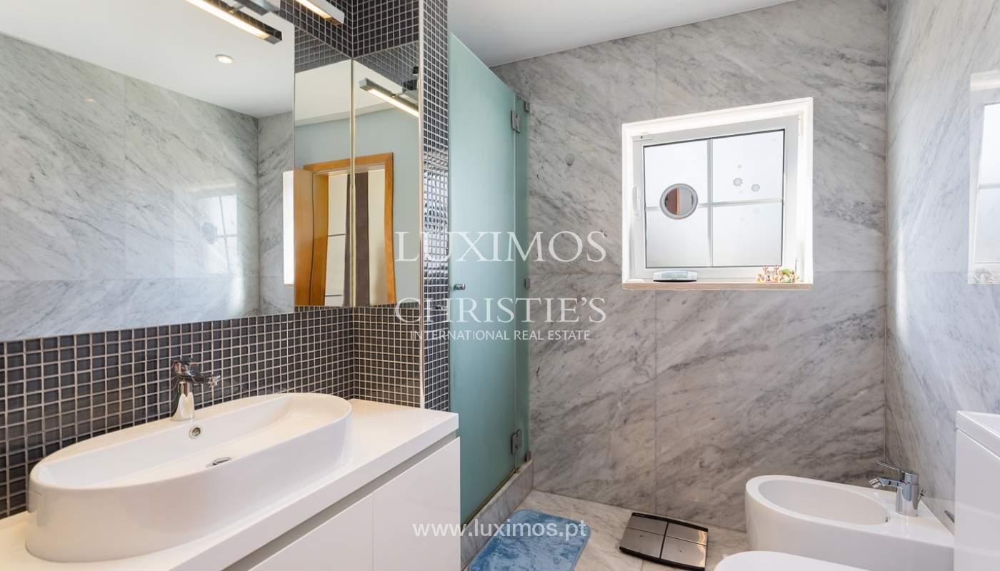 Modern 4 bedroom villa with garden & jacuzzi, Faro, Algarve_162536