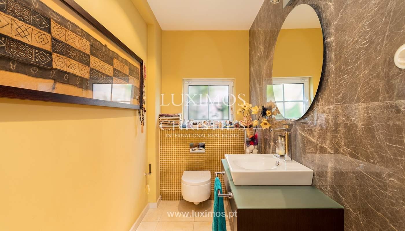 Modern 4 bedroom villa with garden & jacuzzi, Faro, Algarve_162538
