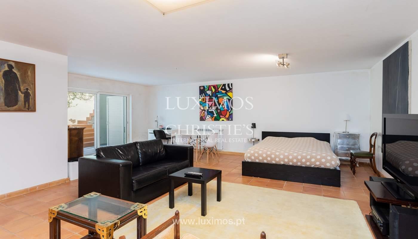Modern 4 bedroom villa with garden & jacuzzi, Faro, Algarve_162542