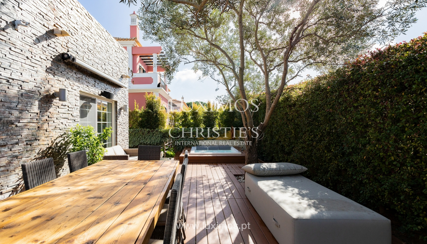 Modern 4 bedroom villa with garden & jacuzzi, Faro, Algarve_162543
