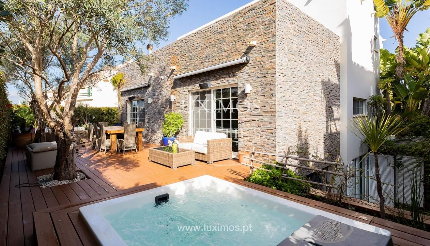 Modern 4 bedroom villa with garden & jacuzzi, Faro, Algarve_162544
