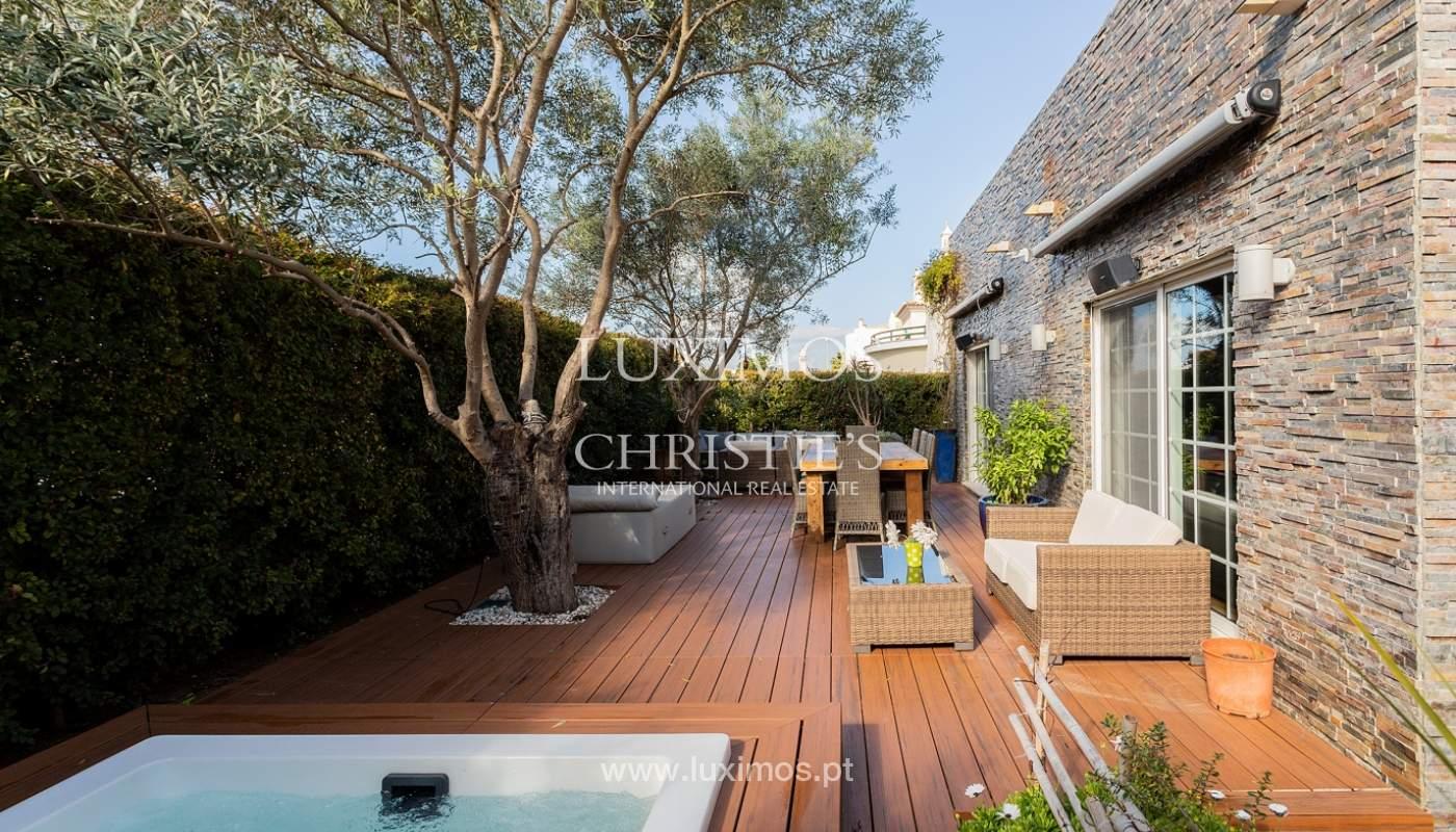 Modern 4 bedroom villa with garden & jacuzzi, Faro, Algarve_162545