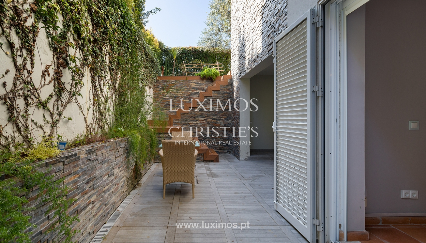 Moderna moradia V4, com jardim e jacuzzi, Faro, Algarve_162547