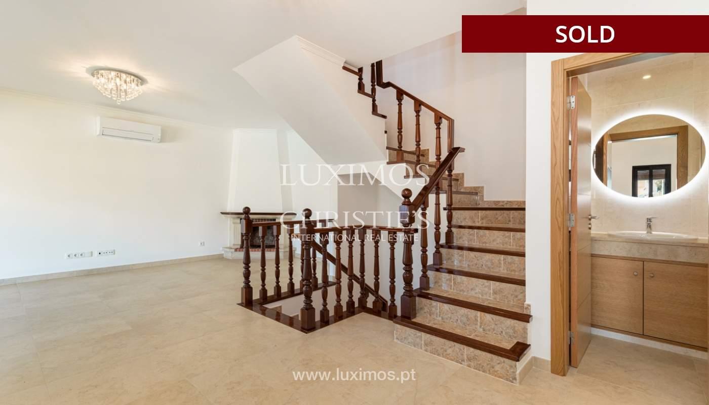 Villa de 4 dormitorios, renovada con piscina, Albufeira _162550