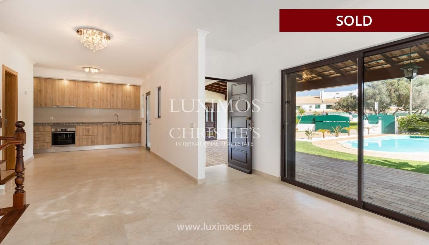 Villa de 4 dormitorios, renovada con piscina, Albufeira _162552