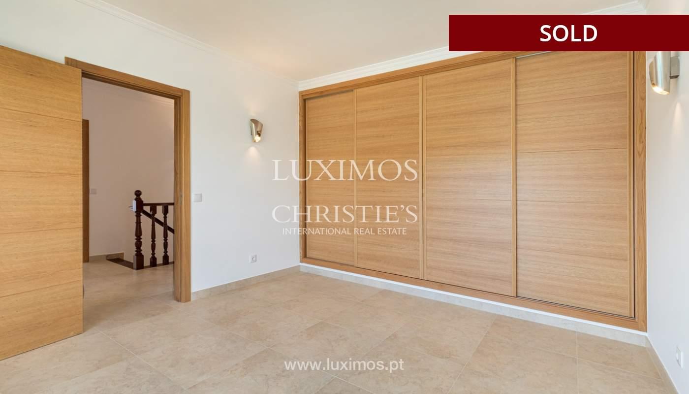 Villa de 4 dormitorios, renovada con piscina, Albufeira _162555