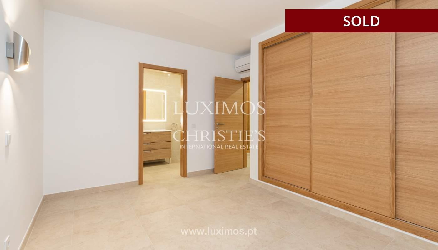 Villa de 4 dormitorios, renovada con piscina, Albufeira _162557