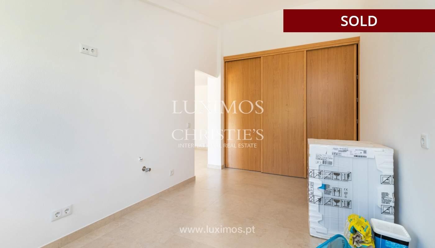 Villa de 4 dormitorios, renovada con piscina, Albufeira _162560