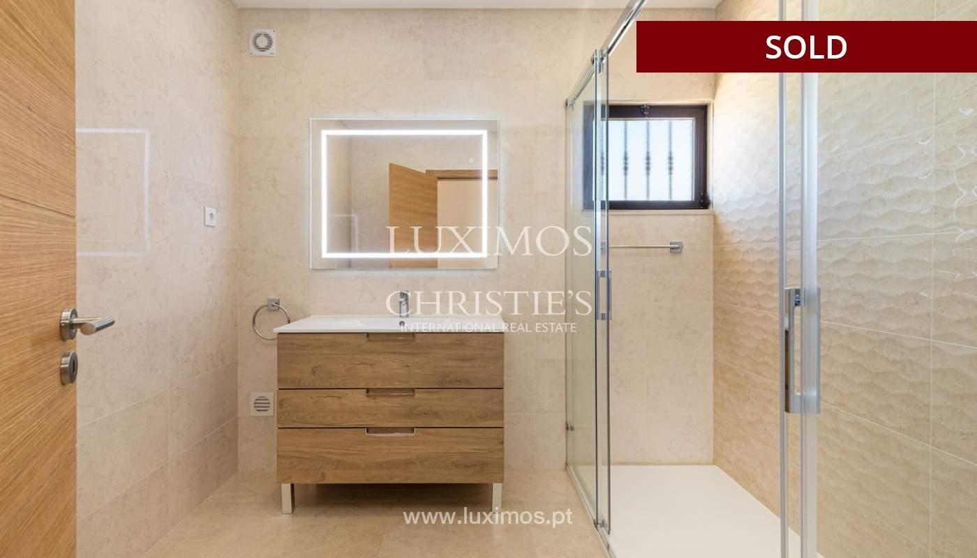 Villa de 4 dormitorios, renovada con piscina, Albufeira _162563